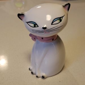 Cutest Cat Figurine!